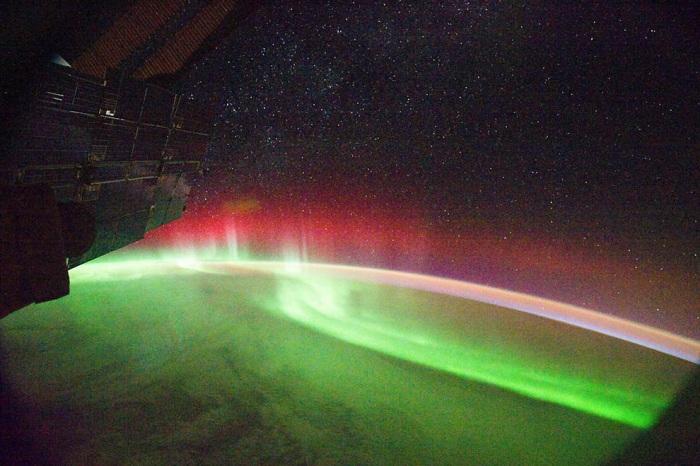 Ученые впервые увидели полярное сияние за пределами Солнечной системы
