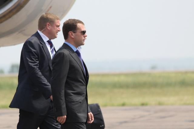 Дмитрий Медведев прибыл в Благовещенск самолетом