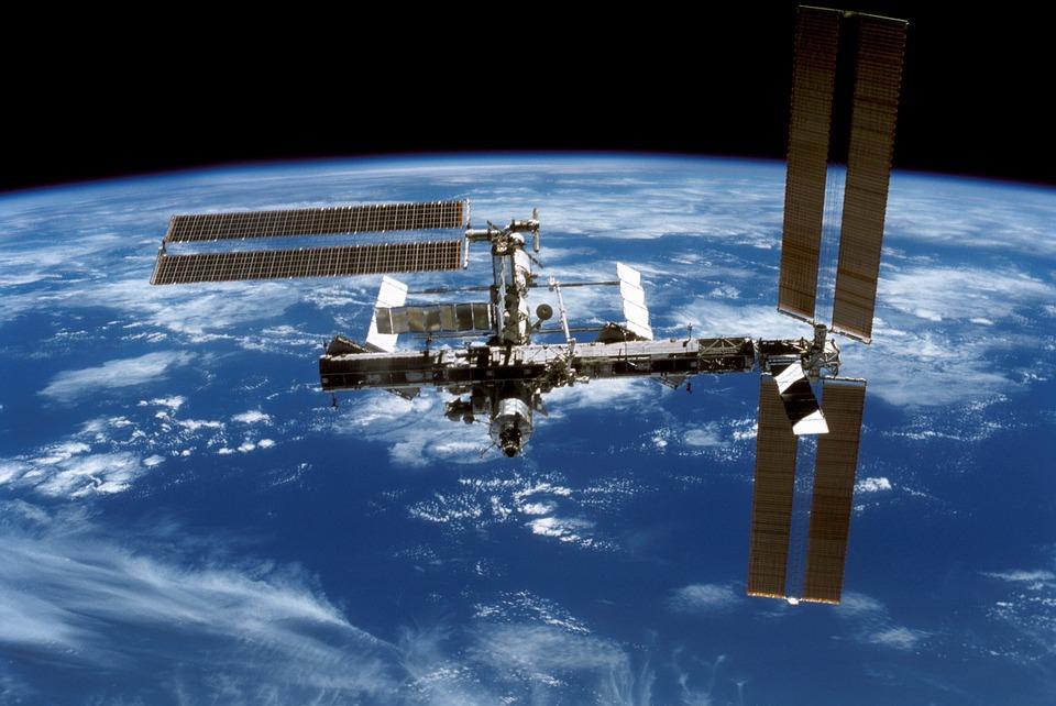 Внебе над Москвой можно будет наблюдать полет МКС