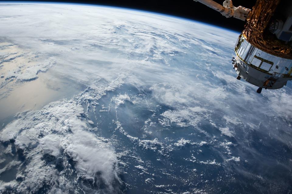 SpaceX организует похороны воткрытом космосе