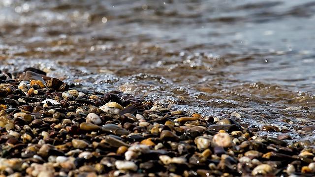 ВБелогорске ведут поиски утонувшего вТоми 10-летнего школьника