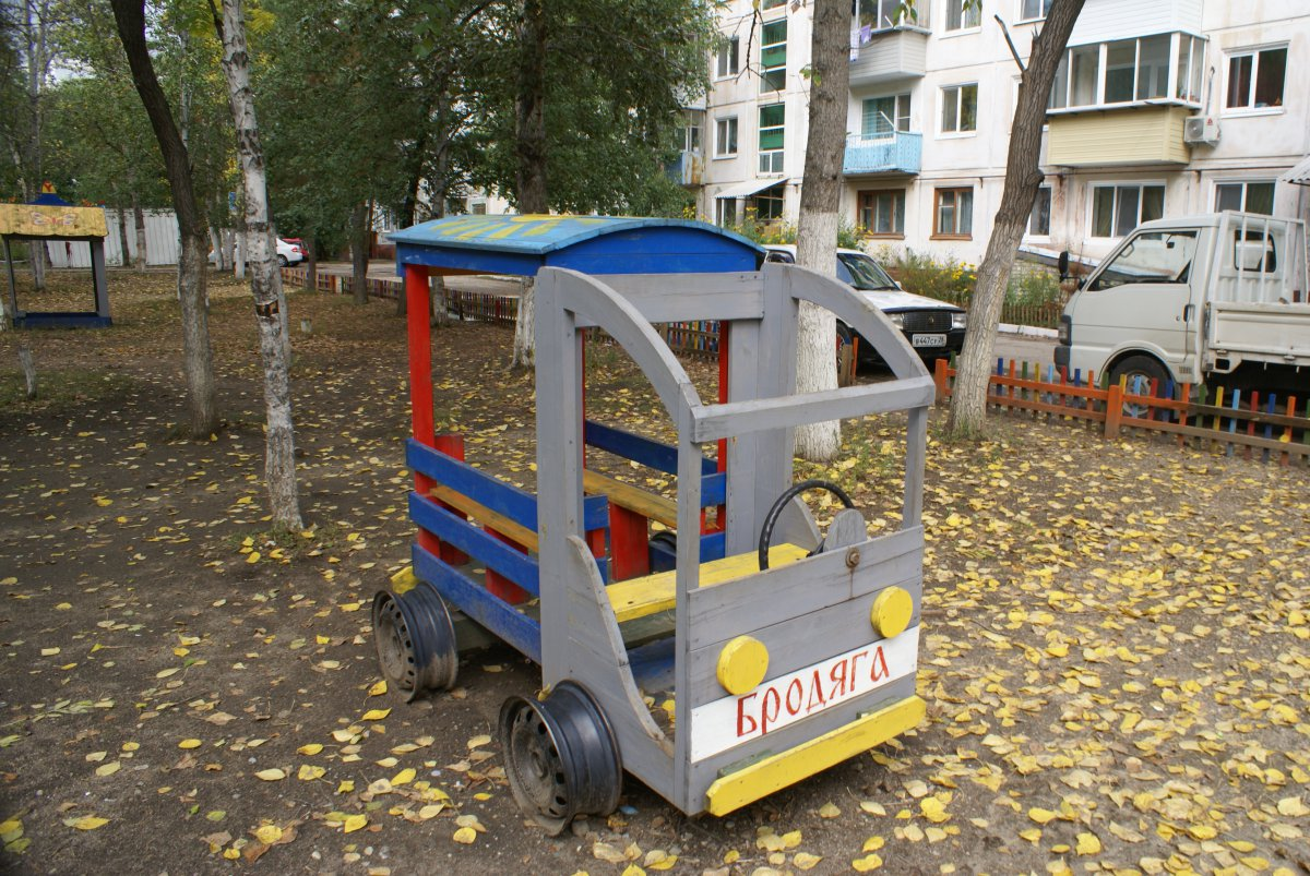 Машина на площадку детского сада своими руками 5